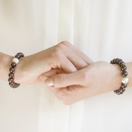 Гранат - гривни от естествени камъни
